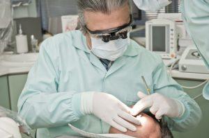 zahnschmerzen werden behandelt